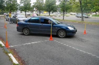 Сдача экзаменов в городе на автомобиле автошколы!